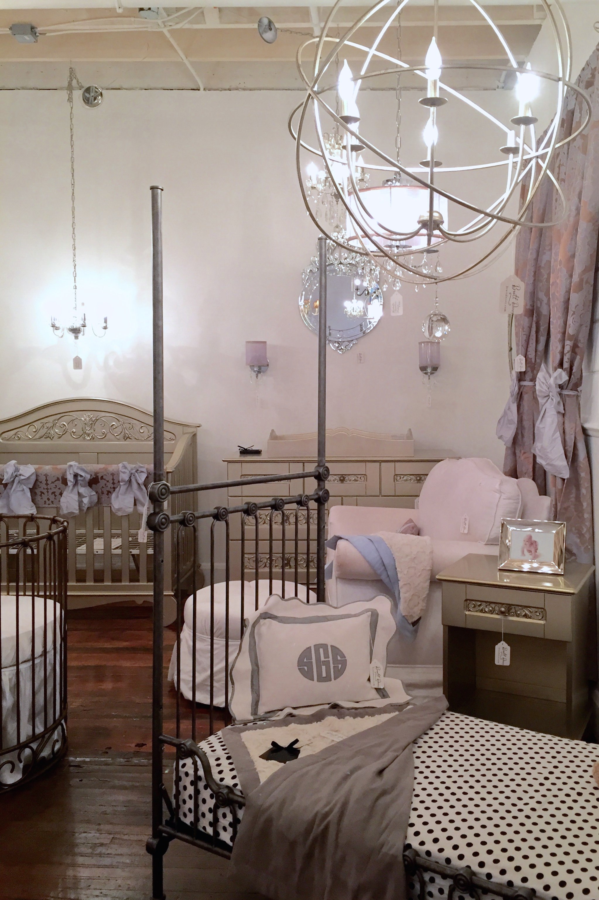 Press Photo Bratt Decor The Best Place For Your Baby Furniture