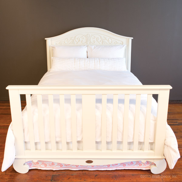 chelsea lifetime crib white - old