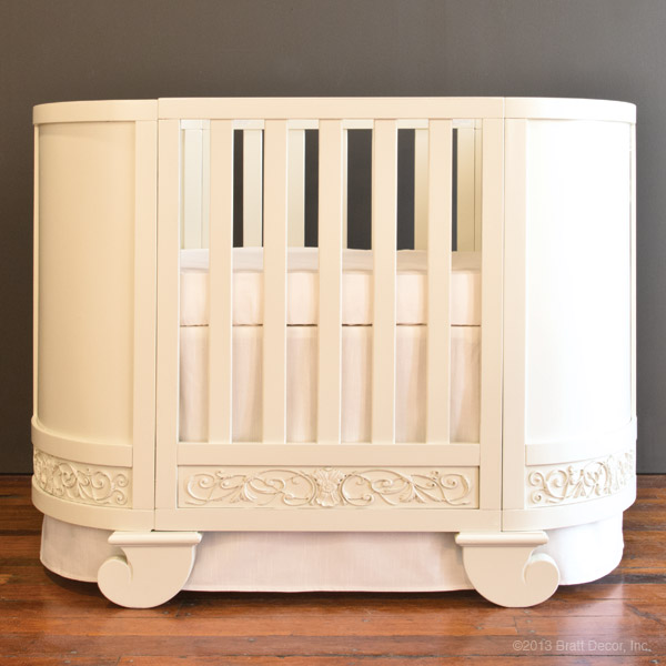 Chelsea Oval Crib Cradle White