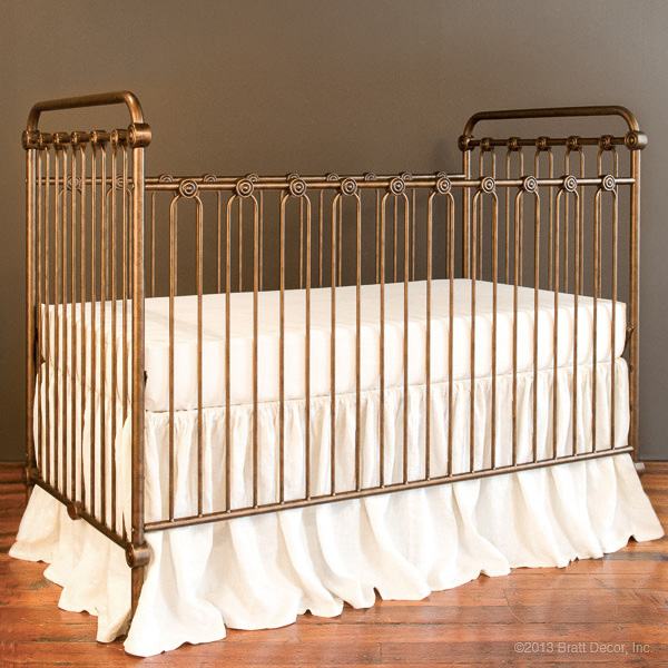 Joy baby crib vintage gold for Baby cot decoration ideas