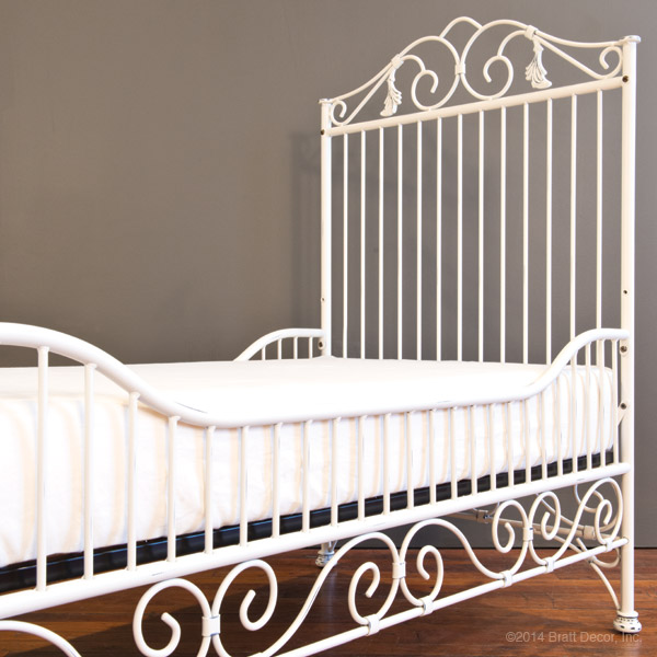 casablanca toddler bed kit distressed white