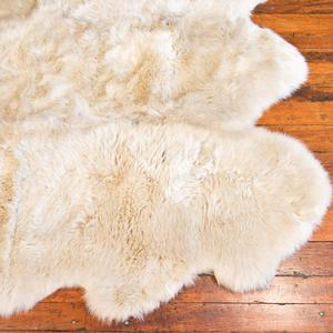 urban sheepskin rug in linen - large