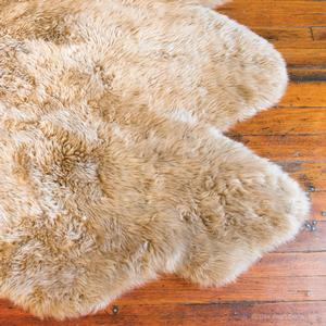 country sheepskin rug in toffee