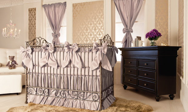 Delicieux The Shimmering Gold Wallpaper Sets The Stage For This Classic Neutral  Nursery. Unexpected In Its