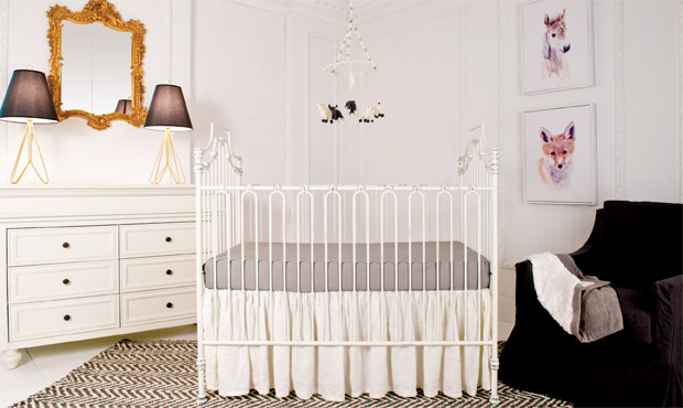 The French do understated elegance like no other. This nursery exudes that perfect balance. The ornate gold mirror absolutely sings in this otherwise simple space. Did we mention this heirloom crib is called The Parisian?